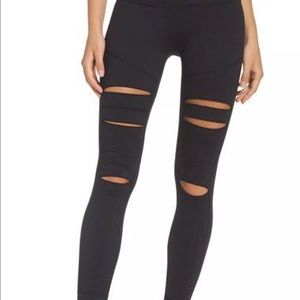 Alo Yoga High-Waist Ripped Size Small